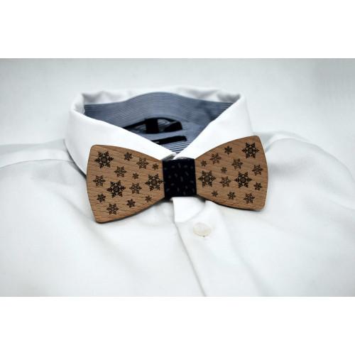 Bow tie in wood, snowflake pattern