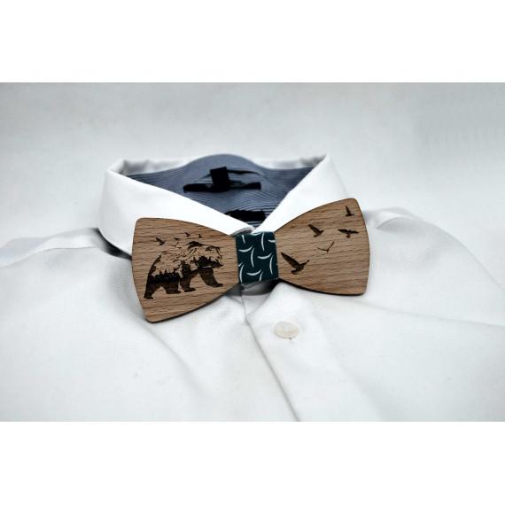 Bow tie in wood, bear motif