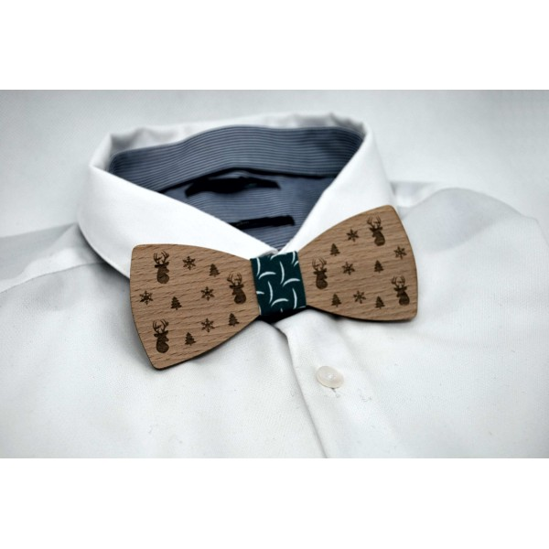Bow tie in wood, deer and fir motif