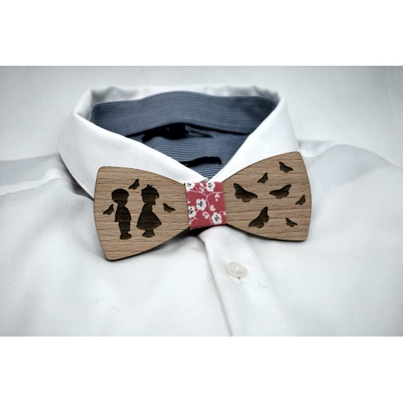 Bow tie in wood, butterfly child motif