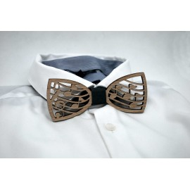Musical note wooden bow tie